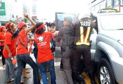 redshirt_pataya5