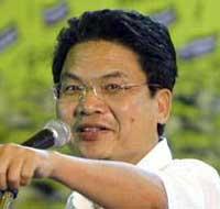 PAD leader and Democrat MP Somkiat Pongpaiboon
